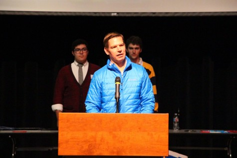 Eric Swalwell, Congressman and DHS Alumni, as guest speaker for tournament (Photo Credit: James Wang)