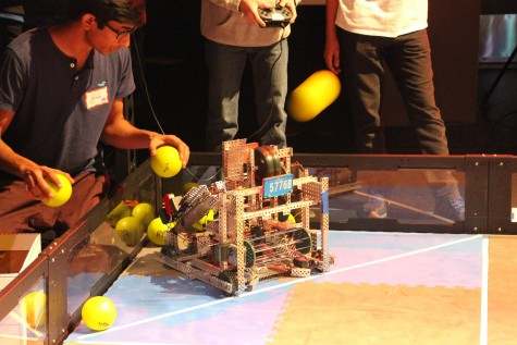 Local Dougherty Valley High School team 5776B during qualification matches (Photo Credit: James Wang)
