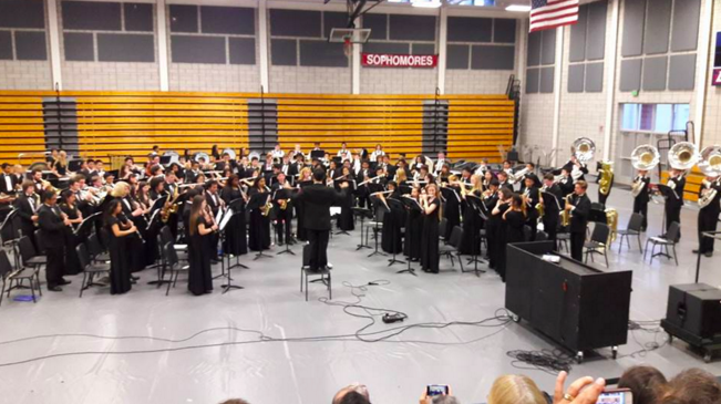 Time to Say Goodbye: DHS Band and Orchestra Performs at Heartwarming Last Concert