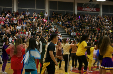 The 2017 Homecoming Skit Rally Was a Moment of Unity for DHS