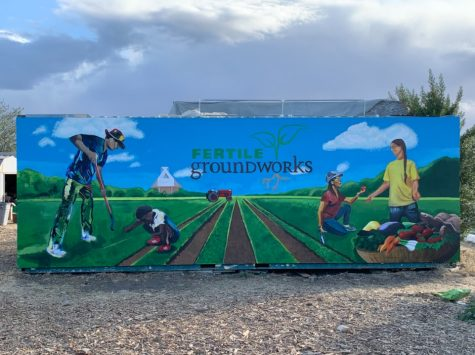 Youth leadership club donates mural to local non-profit